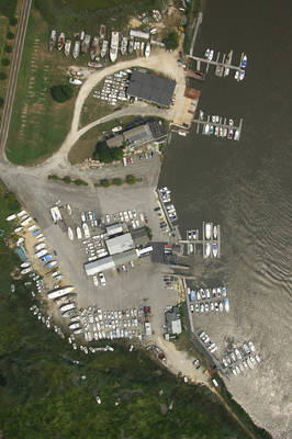 Greenwich Marina & Boatworks
