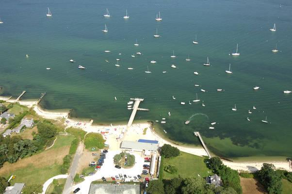 Vineyard Haven Yacht Club