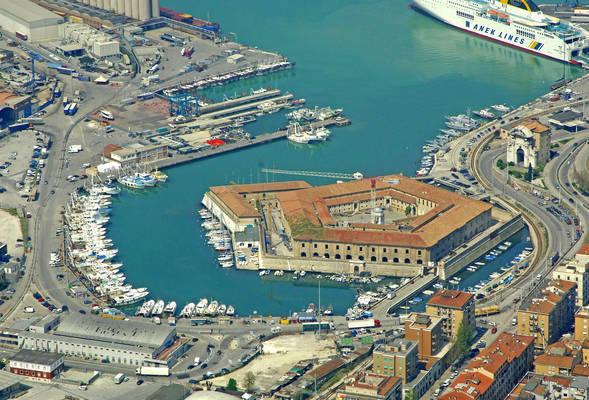 Ancona Porto Commerciale Marina