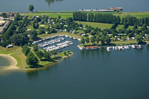 Esmeer Watersport Marina