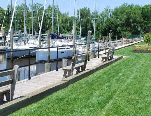 Riverside Marina and Yacht Sales