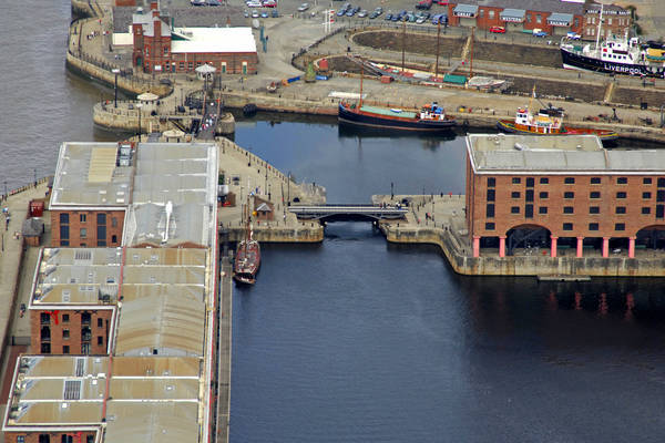 Albert Dock Lift Bridge