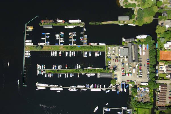De Wilgenhoek Yacht Harbour