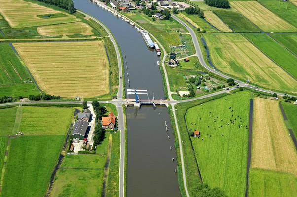 Meerkersebrug Bridge