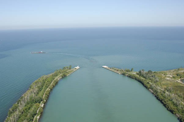 Port Weller Harbour Inlet