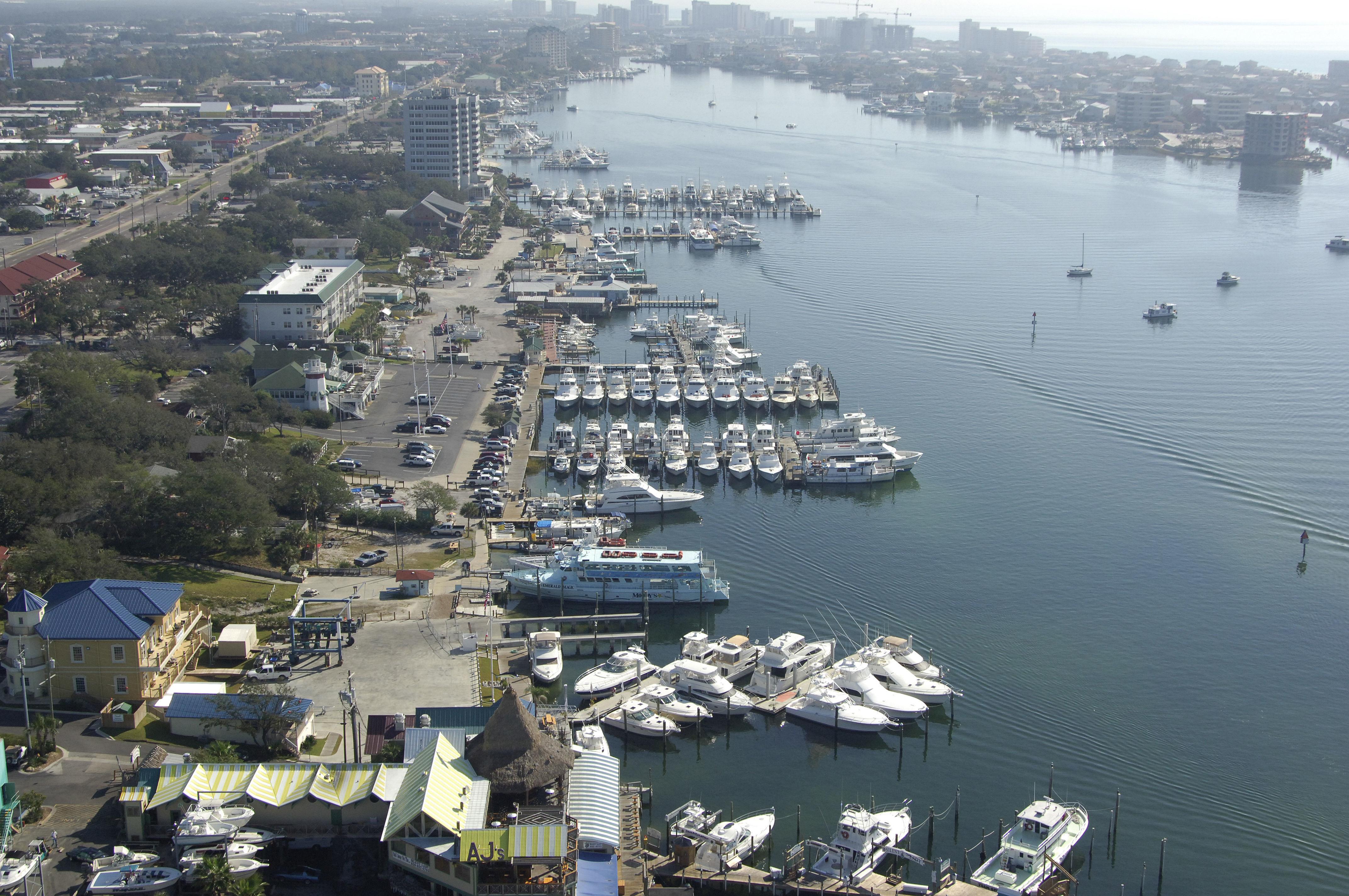 Destin fishing fleet marina in destin fl united states for Fishing in destin fl