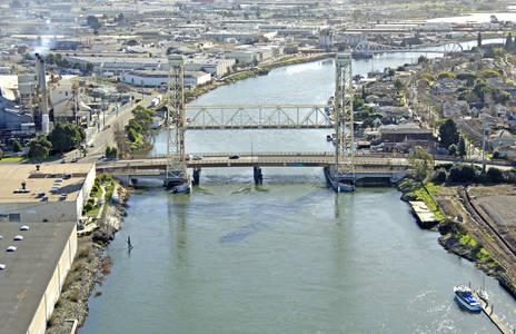Fruitvale Avenue Bascule Bridge/RR Lift Bridge