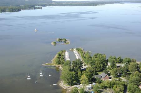 Marina on Lac Des Deux-Montagnes