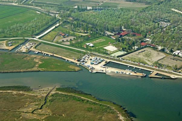 Foce Del Adige Marina