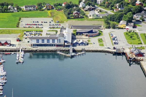 Brekstad Ferry