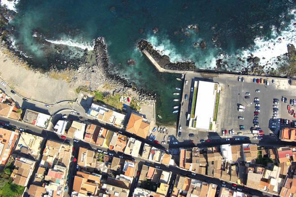 Aci Castello Marina