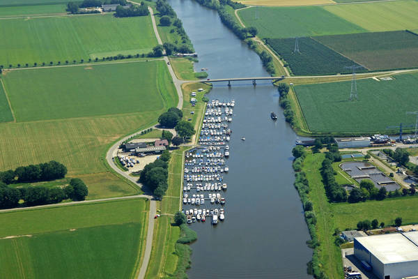 The Oude Maasje Yacht Harbour