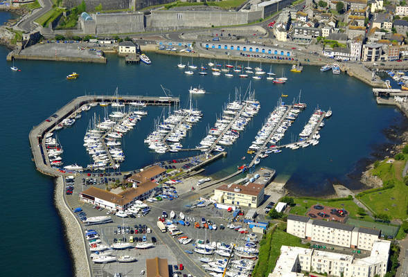 Queen Anne's Battery Marina