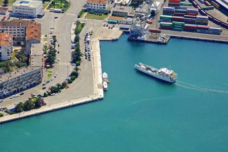 Ploce Ferry