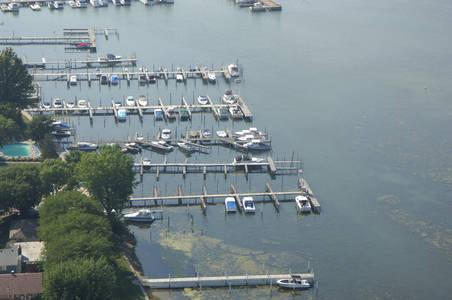 Skippers Marina & Resort