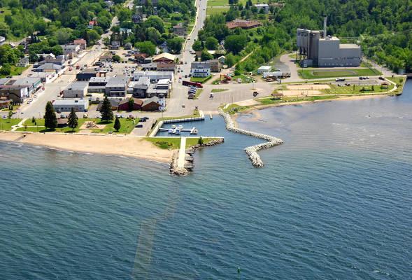 L'Anse Municipal Marina
