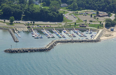 Sturgeon Point Marina