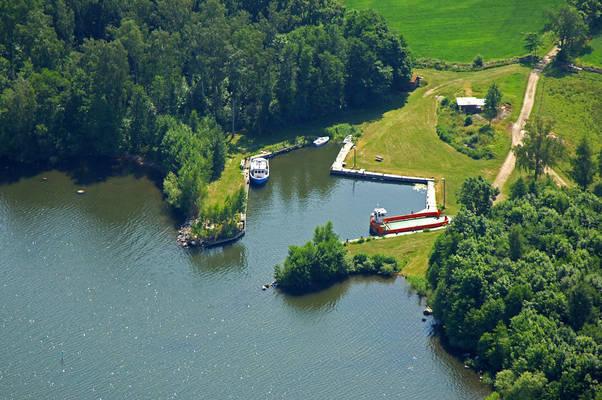 Valen Ferry