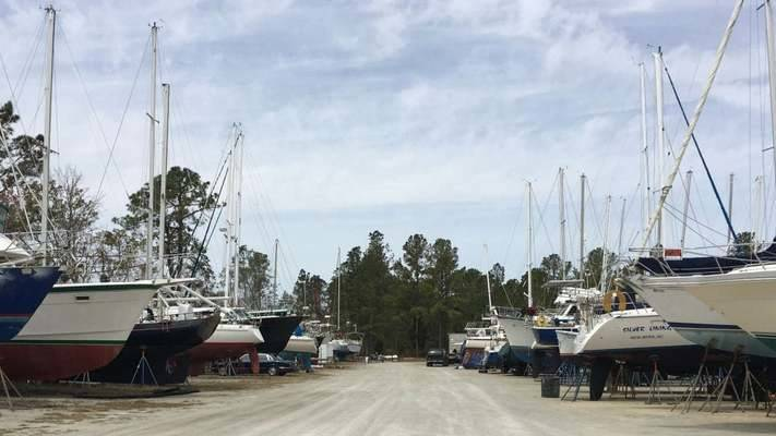 Duck Creek Marina & Boatyard