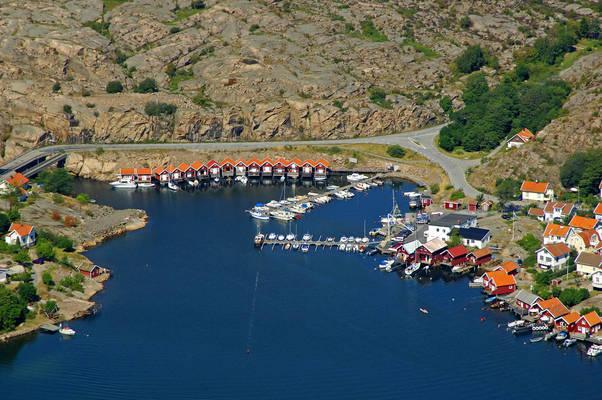 Hovenaset Yacht Harbour