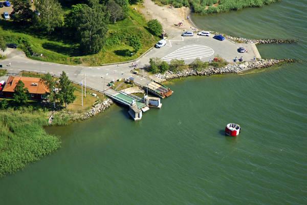 Naeslandet Ferry