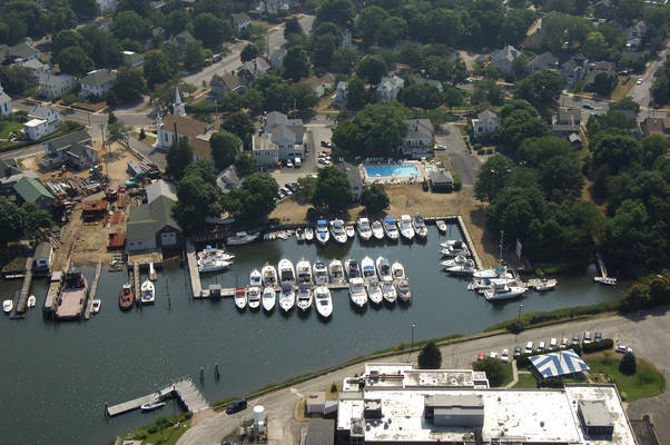Townsend Manor Inn & Marina