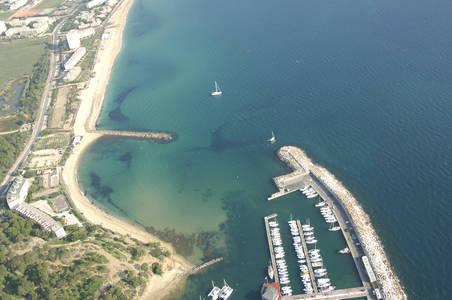 Port de Bormes-les Mimosas Inlet