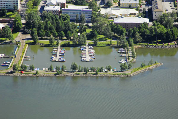 Vaasa Lehmuspuisto Marina