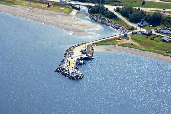 Les Mechins Harbour