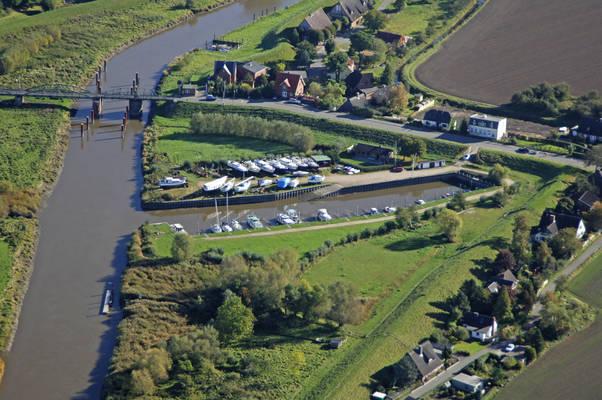 Neuendeich Marina