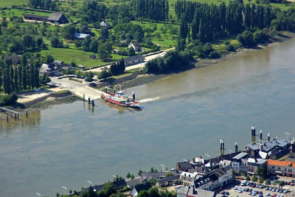D64 Rd Seine Ferry