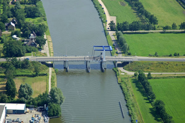 Kootstertille Bridge