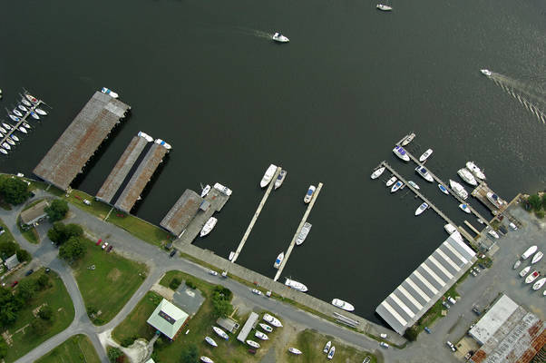Washburns Boat Yard