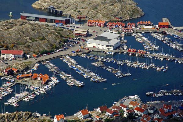 Skarhamn Road Middle Marina