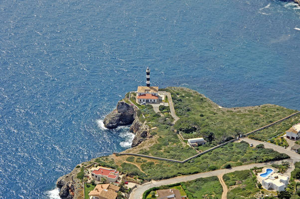 Porto Colom Light (Punta de Ses Crestes Light, Punta de sa Farola Light)