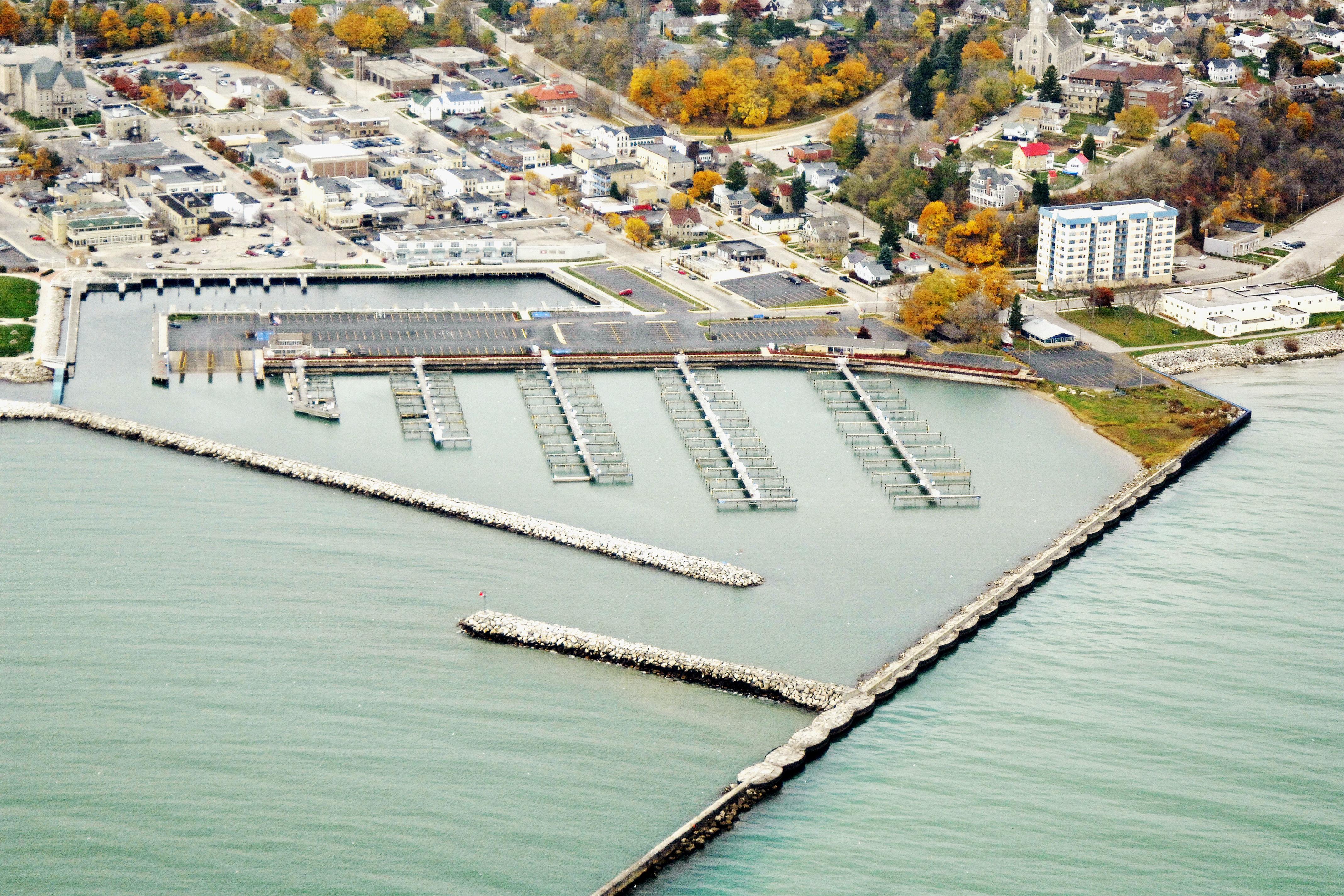 Port washington municipal marina in port washington wi for Port washington wi