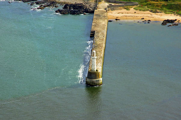 Aberdeen South Breakwater Light