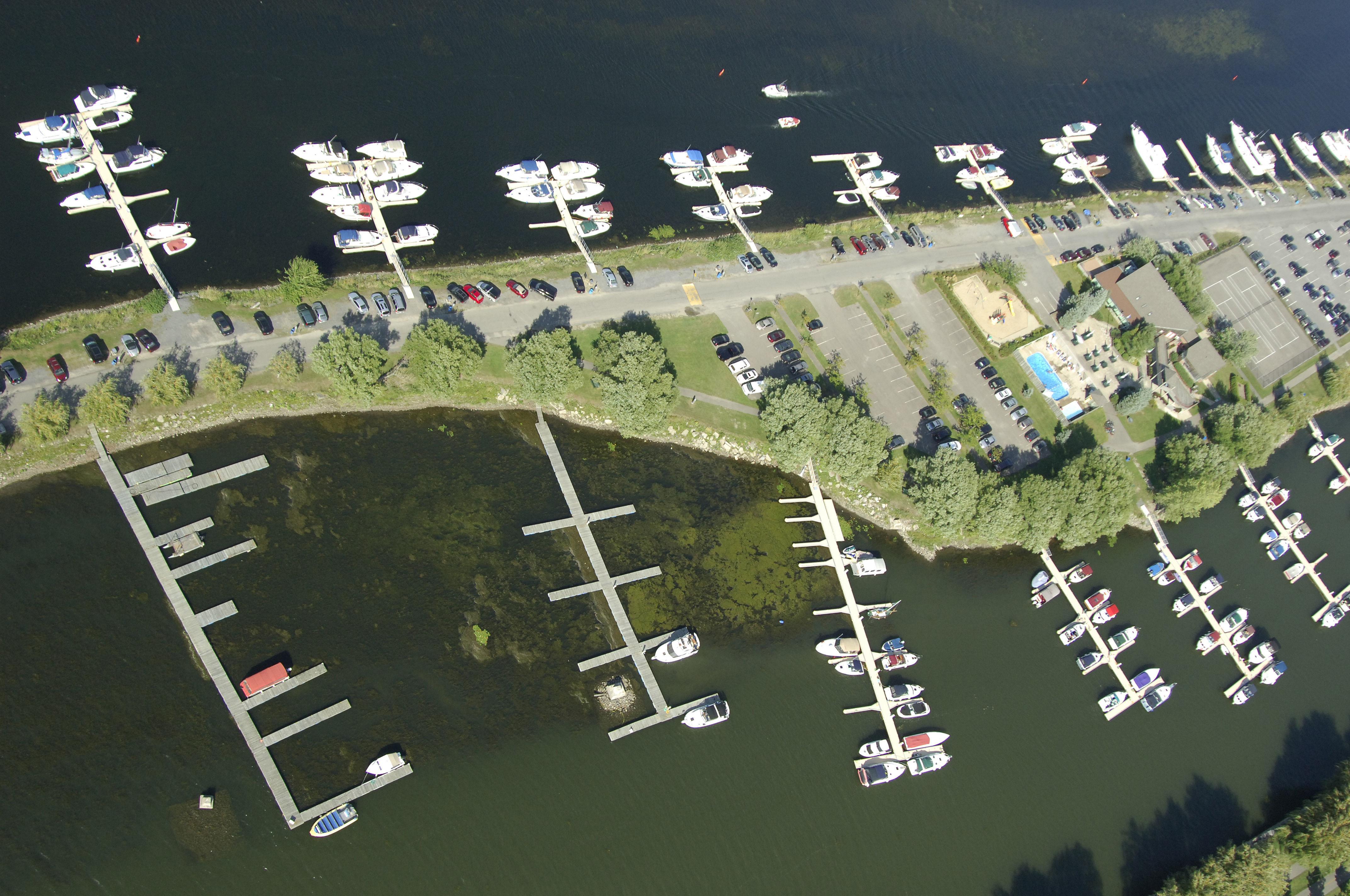 Le port de plaisance de lachine in lachine qc canada marina reviews phone number - Port de plaisance le crouesty ...