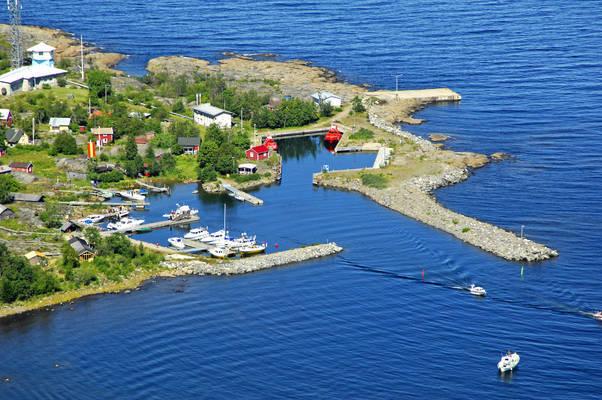 Tankar Yacht Harbour