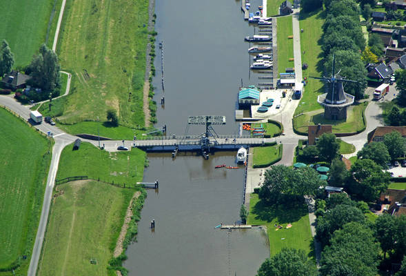 Reitdiep Canal Bridge