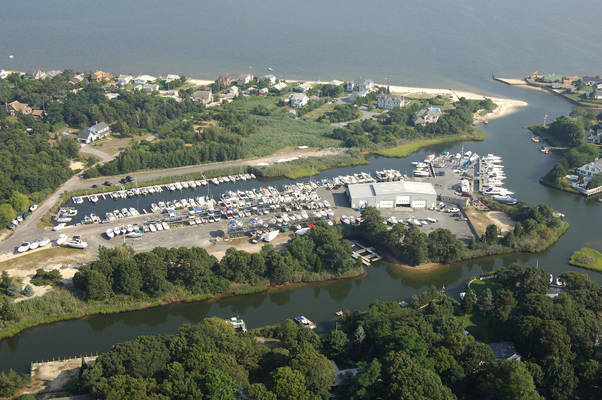 Strong's Marine: Mattituck Bay