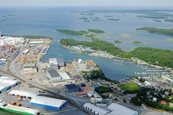 Kompinlati Harbour