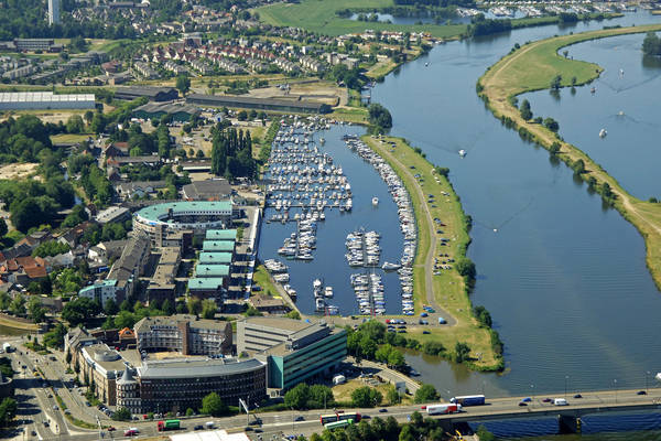 La Bonne Aventure Yacht Harbour