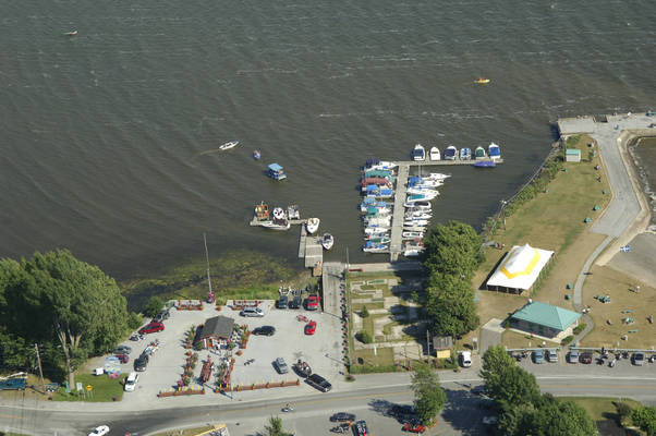 Venise-En-Quebec Marina