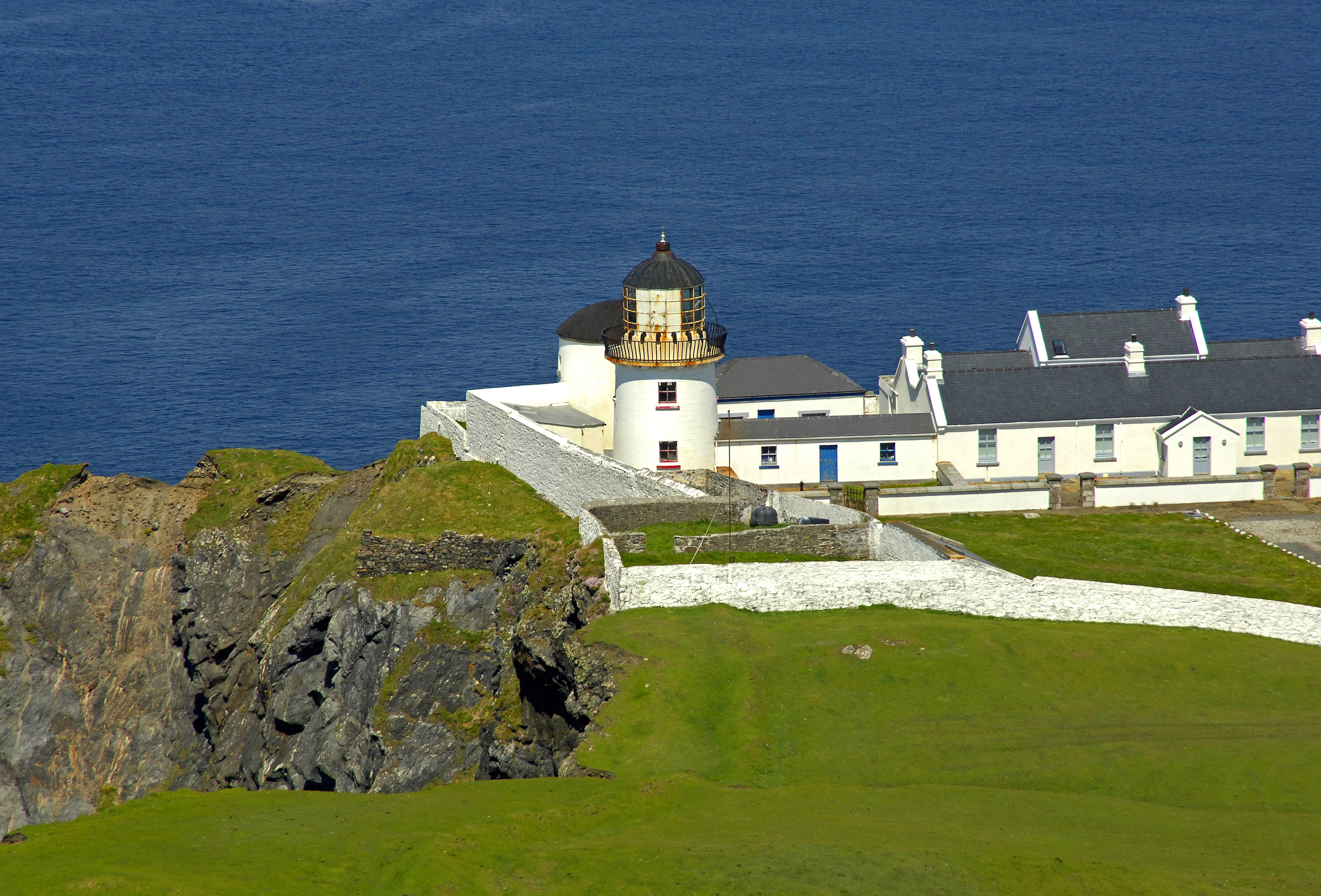 Clare island light lighthouse in westport clare island for Westport ireland real estate