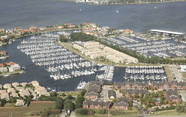Waterford Harbor Yacht Club