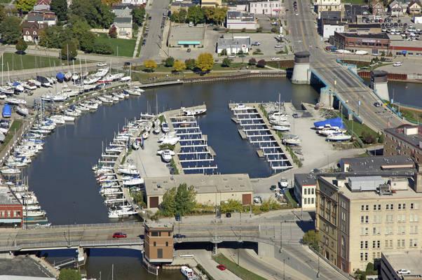 Belle Harbor Marina