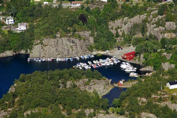 Holsnoy Marina