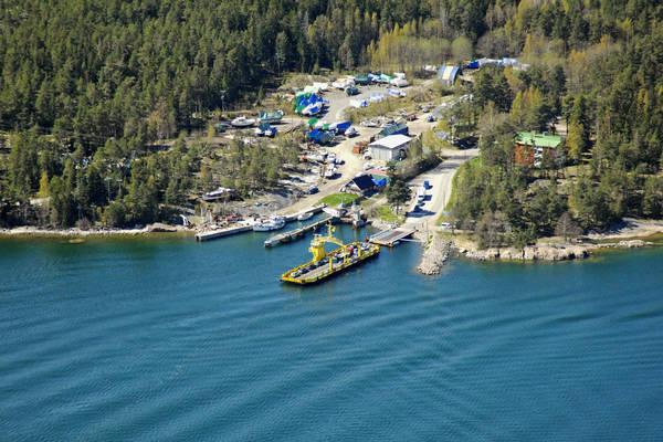 Retais Ferry