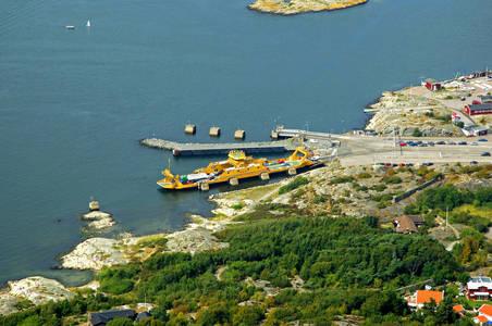 Mainland to Bjorko Ferry